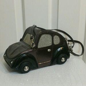 Car shape novelty handbag 🚗